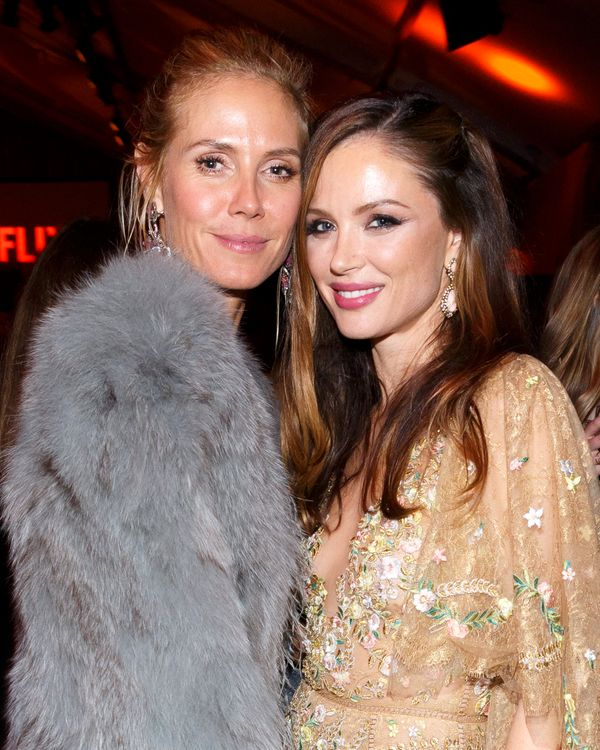 BEVERLY HILLS, CA - JANUARY 10:  Heidi Klum and Georgina Chapman attend The Weinstein Company and Netflix Golden Globe Party,