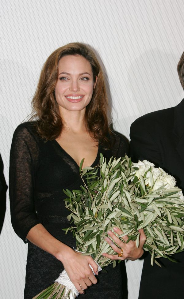 Angelina Jolie At The Film Premiere 'Alexander' In Cinedom in Cologne 171204. (Photo by Franziska Krug/Getty Images)