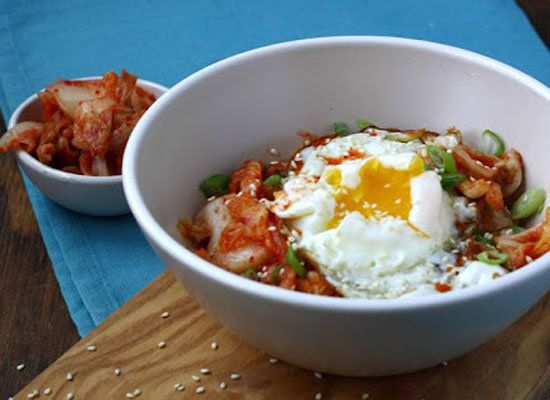 """<strong>Get the<a href=""""http://www.mangotomato.com/2012/10/oatmeal-love-it-of-hate-it-oatmeal-with.html""""> Oatmeal With Kimchi"""