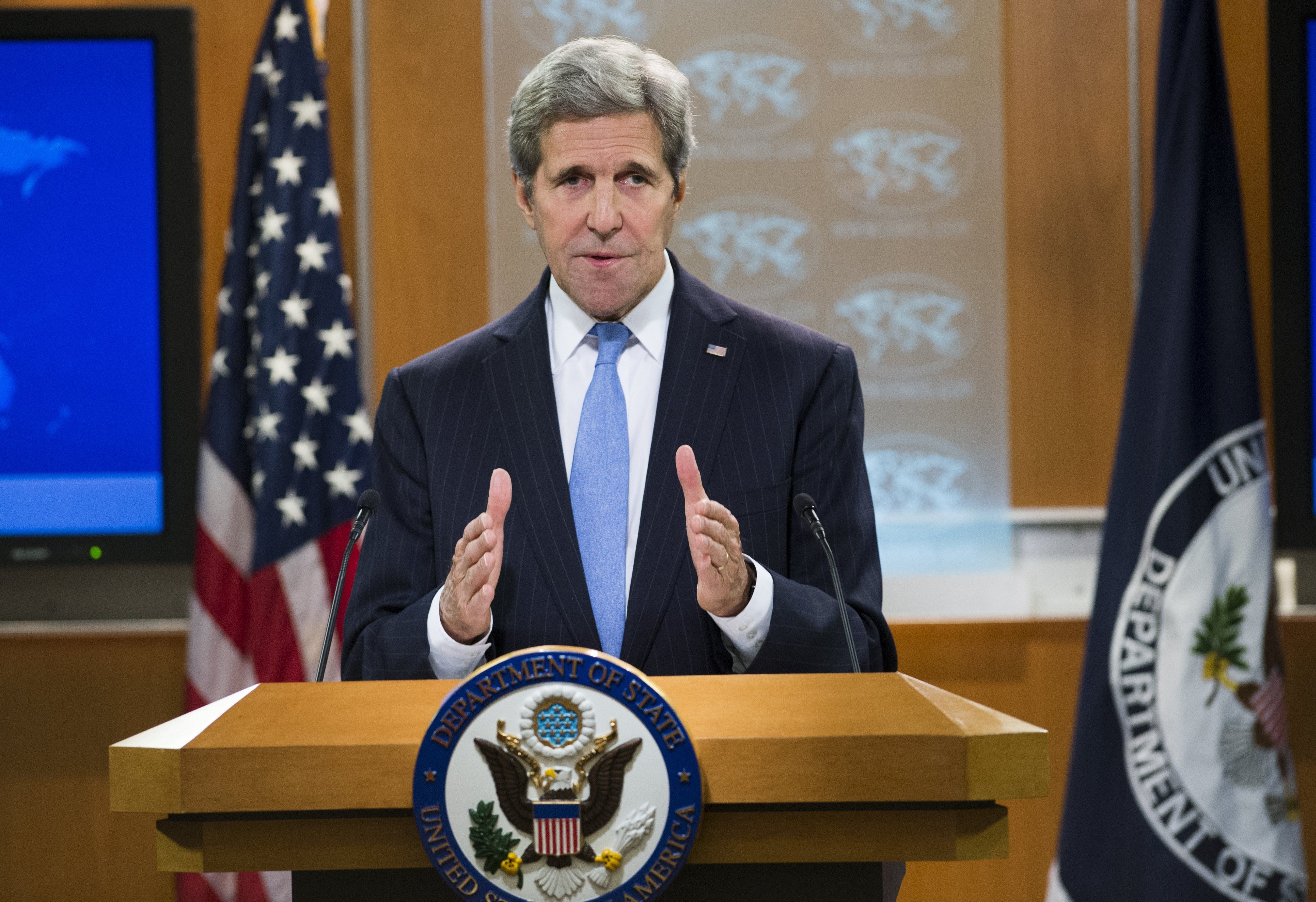 US Secretary of State John Kerry speaks during a press briefing at the State Department in Washington, DC, January 7, 2016. AFP PHOTO / SAUL LOEB / AFP / SAUL LOEB        (Photo credit should read SAUL LOEB/AFP/Getty Images)
