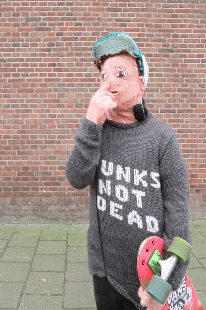 Voorsluijs's yarn son acting punk rock.