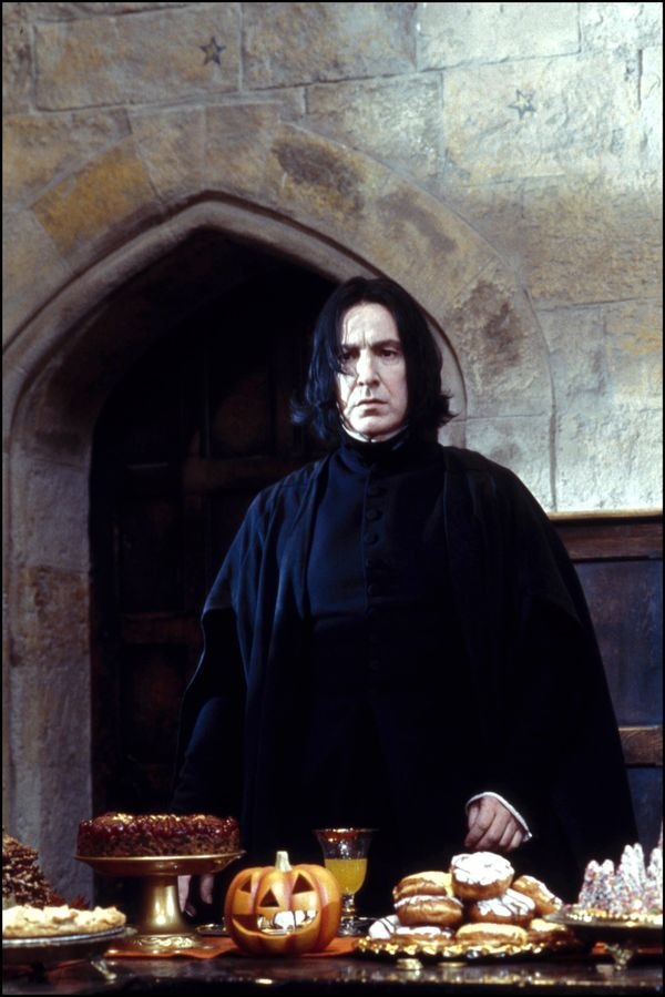 "Alan Rickman playing Professor Snape in 2001's ""Harry Potter and the Sorcerer's Stone"" in November 2001. (Phot"