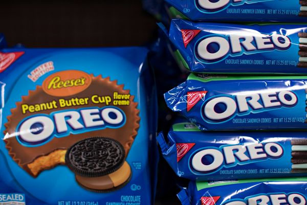 Mondelēz International, which owns snack brands including Oreo, Chips Ahoy! and Triscuit, has set deadlines for com