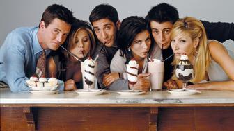 FRIENDS -- Pictured: (l-r) Matthew Perry as Chandler Bing, Jennifer Aniston as Rachel Green, David Schwimmer as Ross Geller, Courteney Cox as Monica Geller, Matt Le Blanc as Joey Tribbiani, Lisa Kudrow as Phoebe Buffay  (Photo by NBC/NBCU Photo Bank via Getty Images)