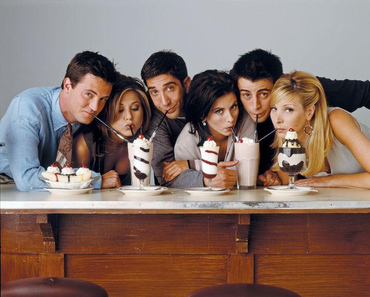 Left to right: Matthew Perry as Chandler Bing, Jennifer Aniston as Rachel Green, David Schwimmer as Ross Geller, Courteney Co