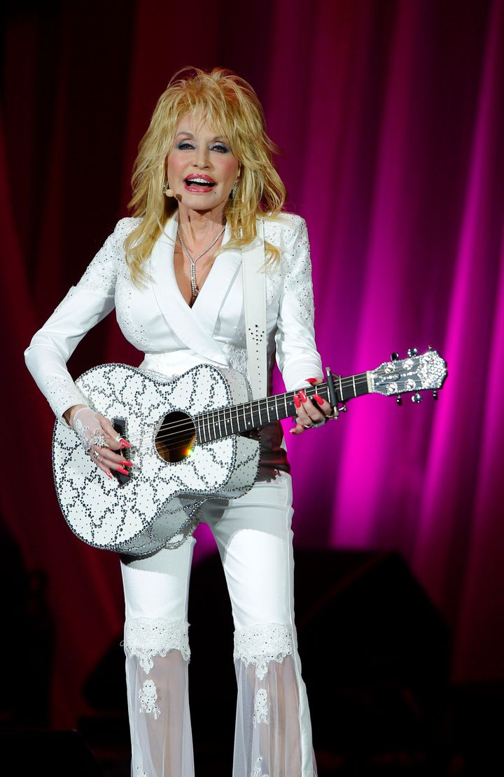6 Things You May Not Know About Dolly Parton On Her 70th Bday