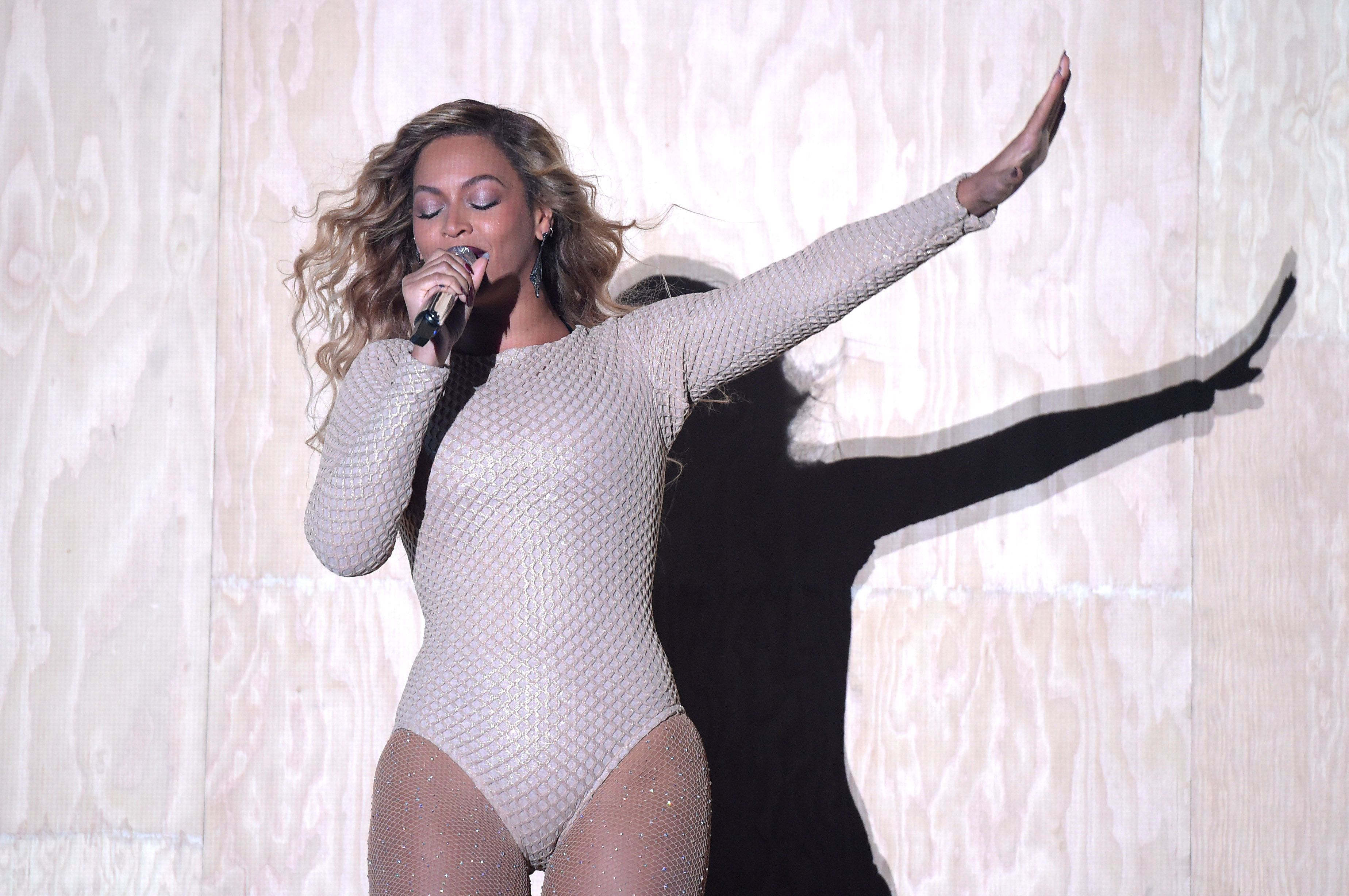 NEW YORK, NY - SEPTEMBER 26:  Beyonce performs onstage during 2015 Global Citizen Festival to end extreme poverty by 2030 in Central Park on September 26, 2015 in New York City.  (Photo by Theo Wargo/Getty Images for Global Citizen)