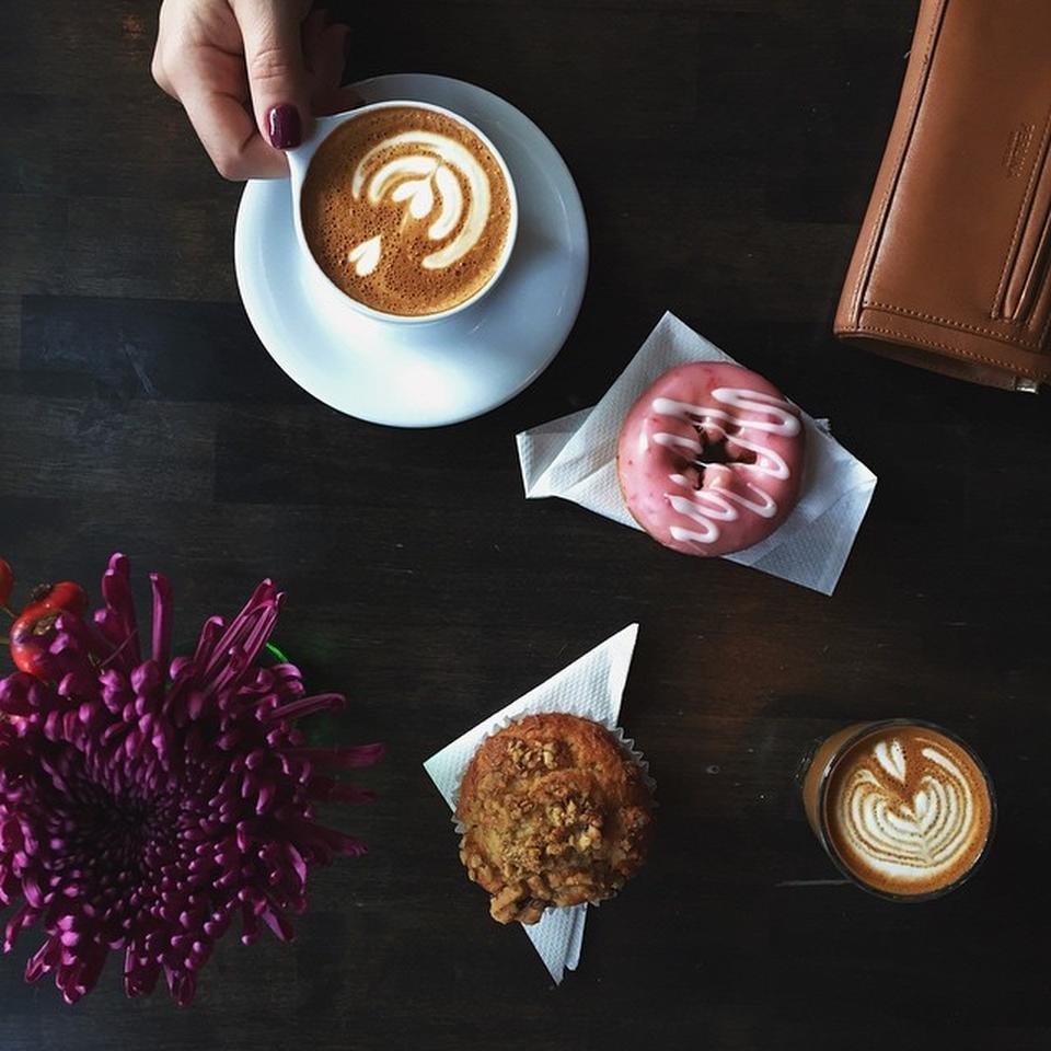 """<strong><a href=""""https://foursquare.com/v/quay-coffee/4fe5bed8e4b00ca0cfd79e37"""" target=""""_blank"""">Quay Coffee</a>:</stron"""
