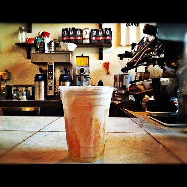 """<strong><a href=""""https://foursquare.com/v/caf%C3%A9-volan/4df3e03c45dd4e26934252a1"""" target=""""_blank"""">Café Volan</a>:&nb"""