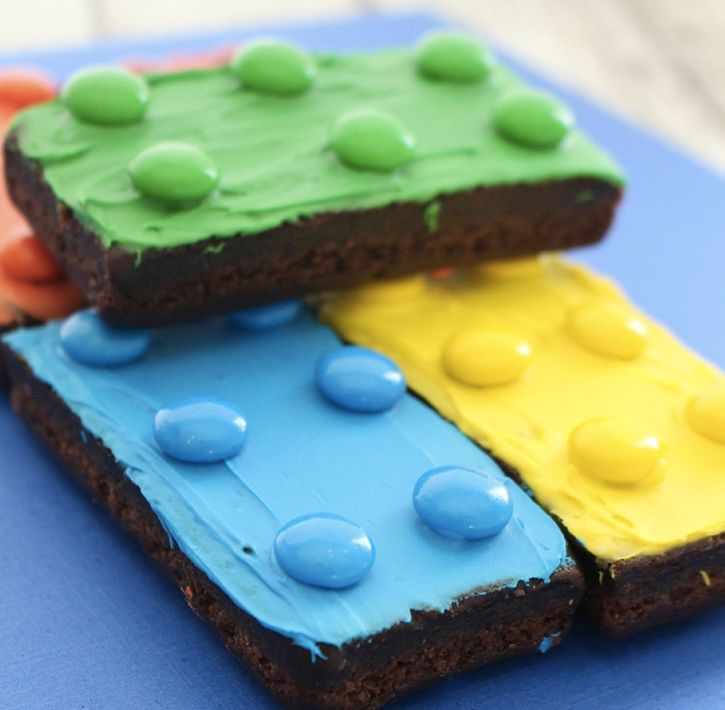 "<strong>Get the<a href=""http://desertchica.com/lego-brownies/"" target=""_blank""> Lego Brownies recipe </a>from Desert Chi"