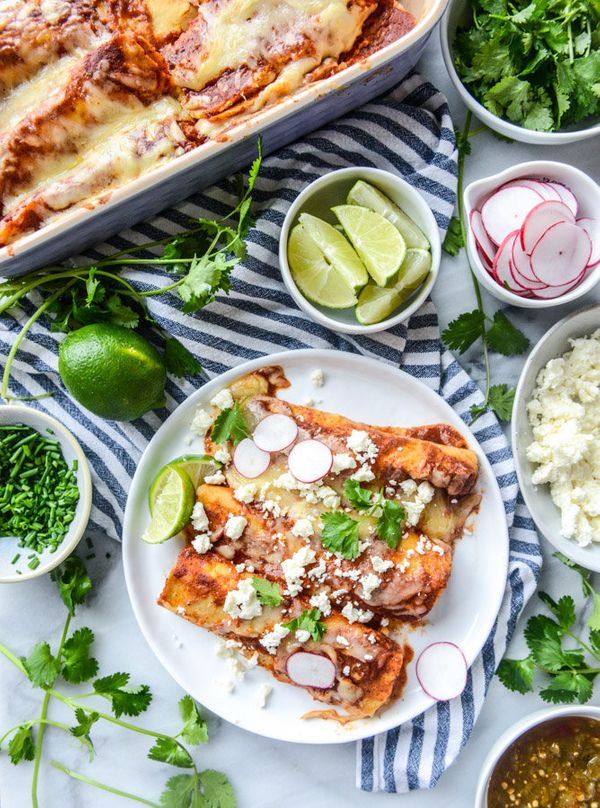 """<strong>Get the <a href=""""http://www.howsweeteats.com/2016/01/cheese-enchiladas-of-my-dreams/"""" target=""""_blank"""">Cheese Enchilad"""