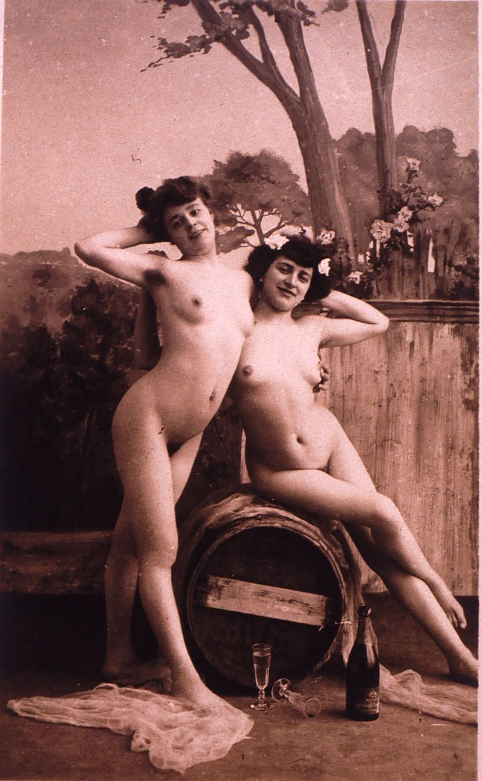 Nude thick grannies with legs up