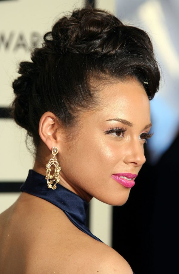 Incredible Alicia Keys39 Most Head Turning Hairstyles Of All Time The Short Hairstyles Gunalazisus