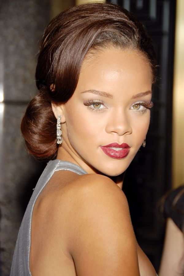 Astonishing 40 Rihanna Hairstyles To Inspire Your Next Makeover The Short Hairstyles For Black Women Fulllsitofus
