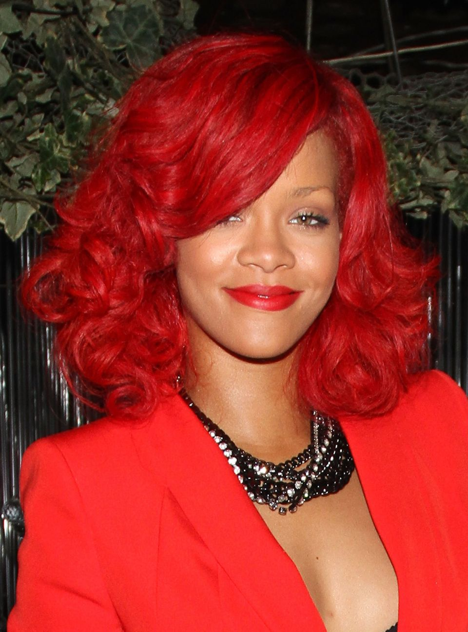 40 Rihanna Hairstyles To Inspire Your Next Makeover Huffpost Life