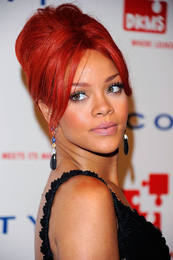 40 Rihanna Hairstyles To Inspire Your Next Makeover
