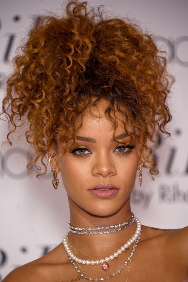 Peachy 40 Rihanna Hairstyles To Inspire Your Next Makeover The Short Hairstyles Gunalazisus