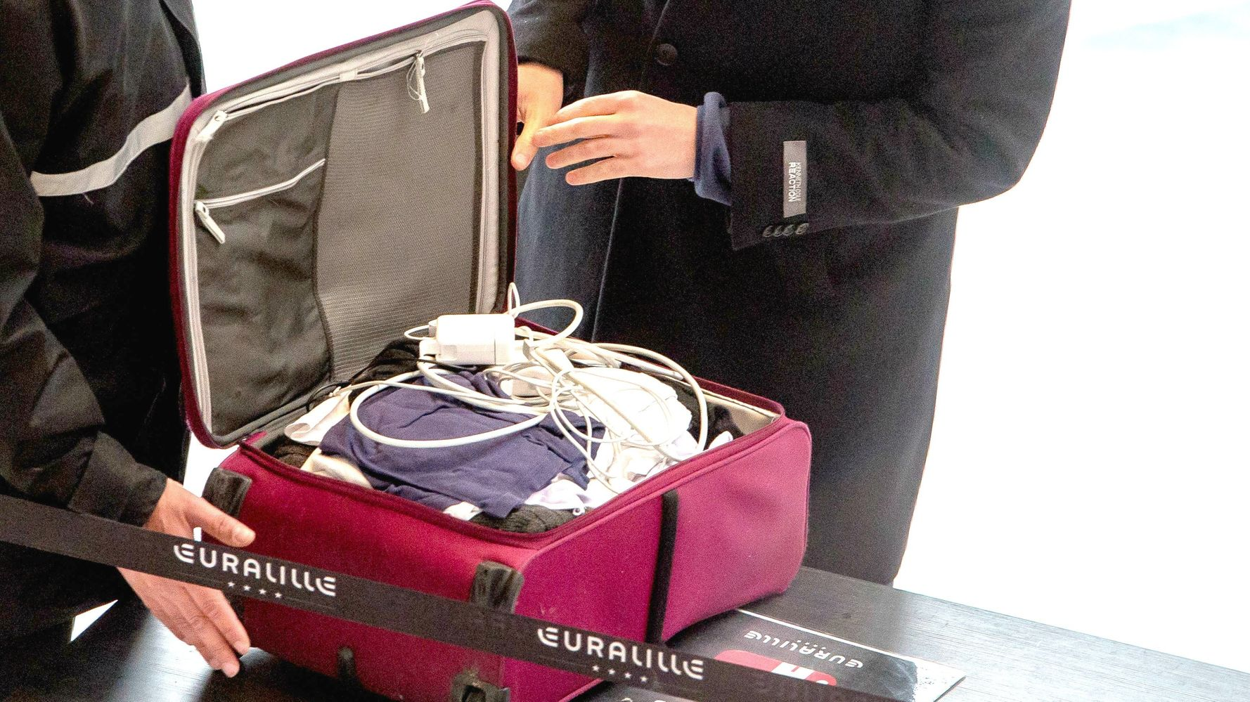 Your Checked Bags Aren't As Safe As You Think They Are   HuffPost Life