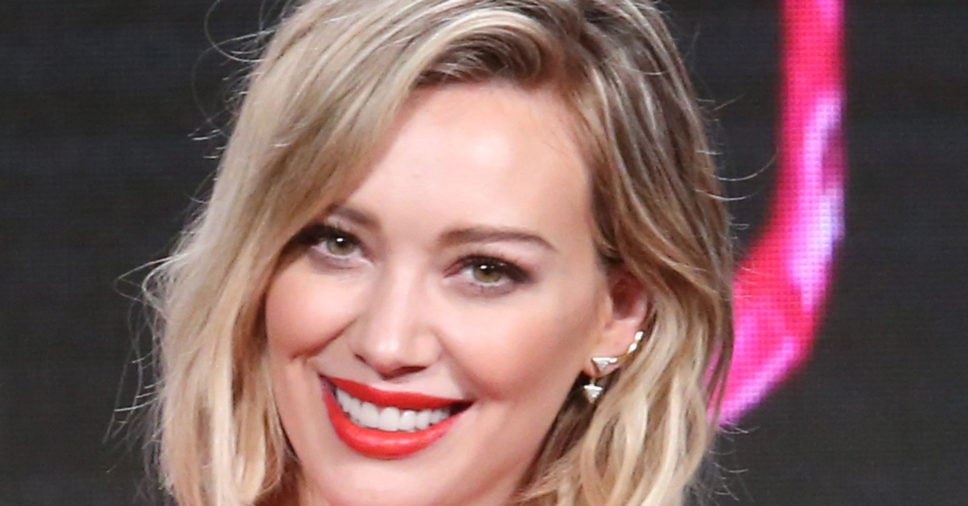 Hilary Duff Debuts A New Pastel Hairstyle Huffpost Life