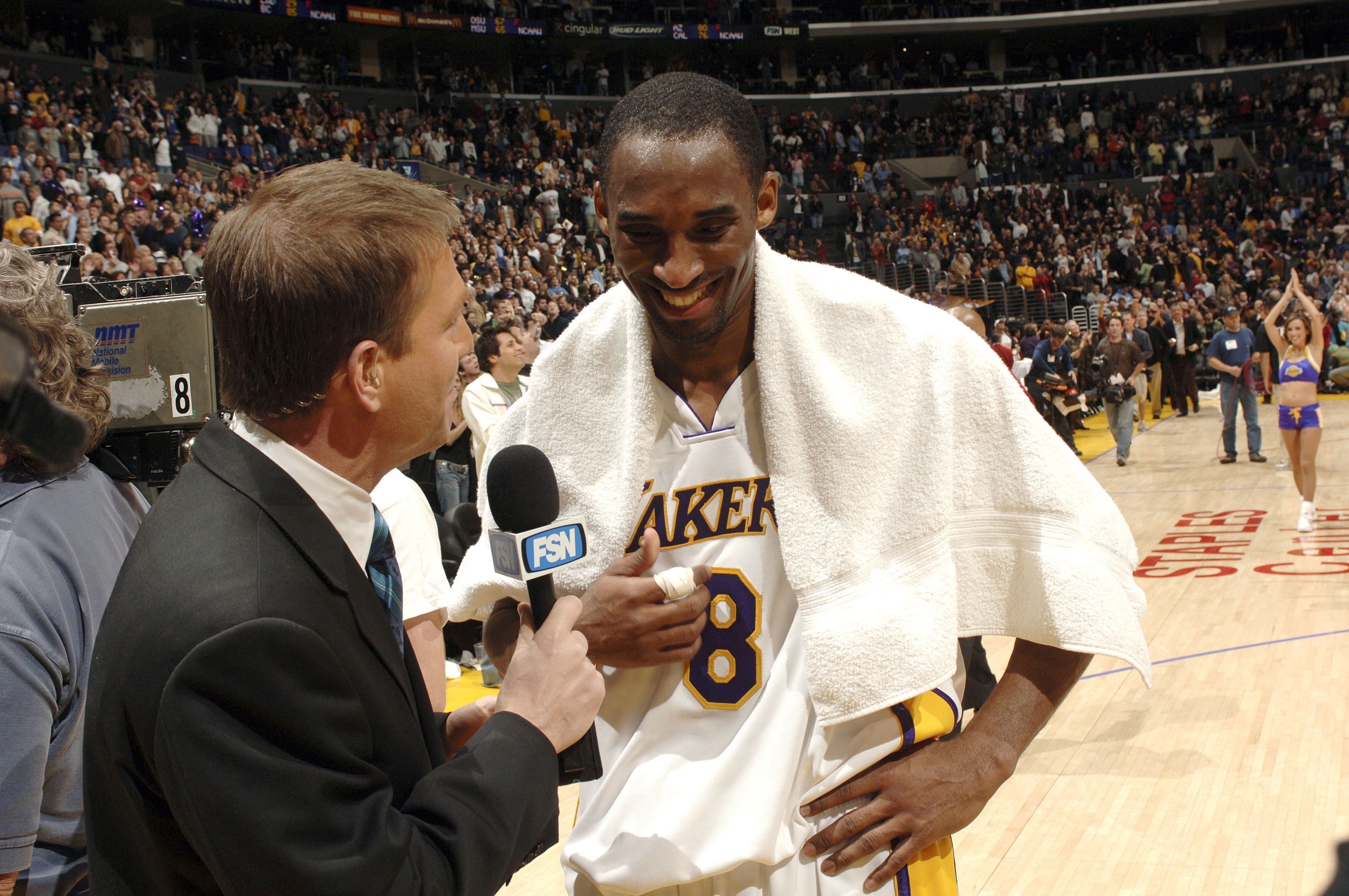 Kobe Bryant gets a loud ovation from his home crowdafter scoring81 points against the Toronto Raptors on Jan.&nbs