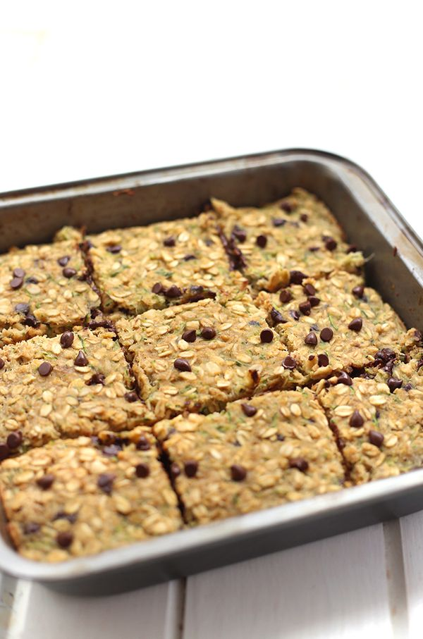 """<strong>Get the <a href=""""http://www.thehealthymaven.com/2015/07/chocolate-chip-zucchini-bread-oatmeal-bars.html"""" target=""""_bla"""