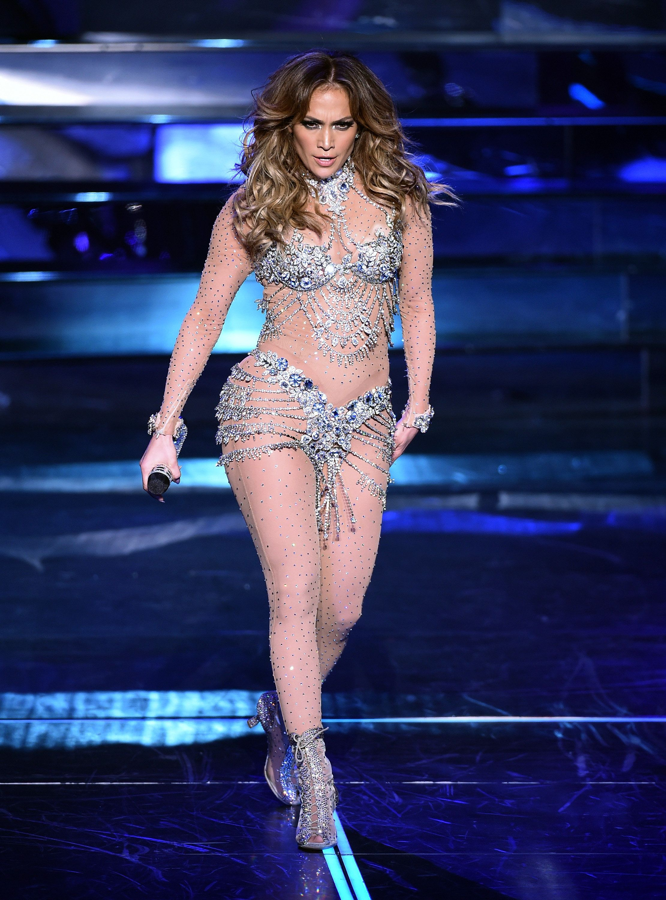 LAS VEGAS, NV - JANUARY 20:  Singer/actress Jennifer Lopez performs during the launch of her residency 'JENNIFER LOPEZ: ALL I HAVE' at The Axis at Planet Hollywood Resort & Casino on January 20, 2016 in  Las Vegas, Nevada.  (Photo by Ethan Miller/Getty Images)