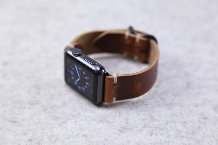 "This&nbsp;<a href=""https://www.etsy.com/listing/240316857/apple-watch-band-horween-leather-english"" target=""_blank"">watch band from Choice Cuts Industries</a> is a great way to upgrade your Apple Watch."