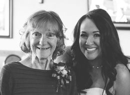 Bride Brought Wedding To Alzheimer's Home So Her Mom Could Be There