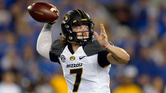 LEXINGTON, KY - SEPTEMBER 26:  Maty Mauk #7 of the Missouri Tigers passes against the Kentucky Wildcats at Commonwealth Stadium on September 26, 2015 in Lexington, Kentucky. (Photo by Dylan Buell/Getty Images)