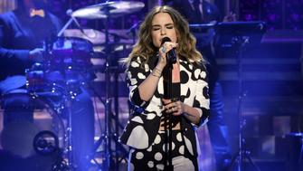 THE TONIGHT SHOW STARRING JIMMY FALLON -- Episode 0378 -- Pictured: Musical guest JoJo performs with The Roots on December 1, 2015 -- (Photo by: Douglas Gorenstein/NBC/NBCU Photo Bank via Getty Images)