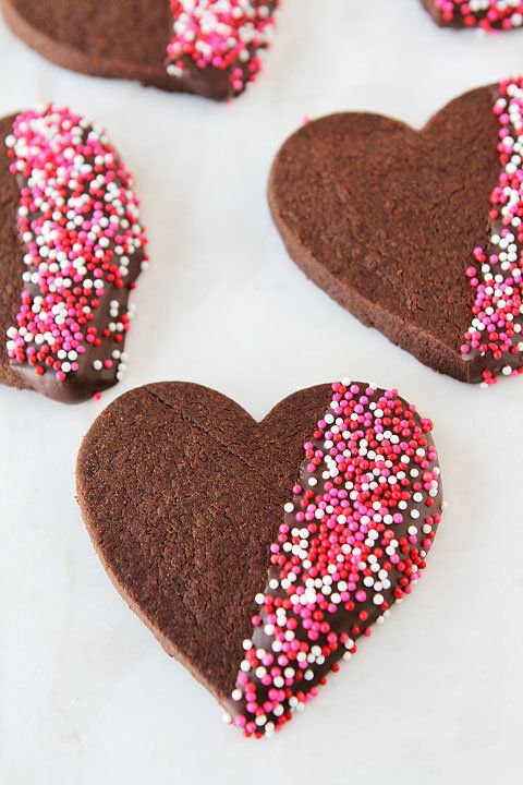 """<strong>Get the <a href=""""http://www.twopeasandtheirpod.com/chocolate-shortbread-heart-cookies/#_a5y_p=1240266"""" target=""""_blank"""