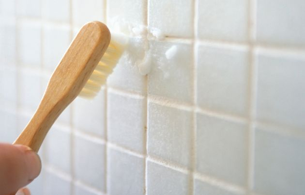 7 Hotel Housekeeping Tricks You Need To Clean Your Bathroom