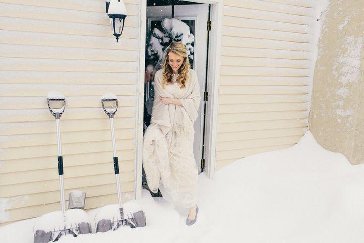 Bride Joanna braving the cold.