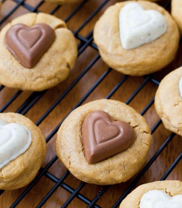 """<strong>Get the <a href=""""http://sallysbakingaddiction.com/2012/02/02/peanut-butter-sweethearts/"""" target=""""_blank"""">Peanut Butte"""