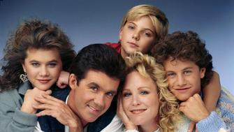 UNITED STATES - OCTOBER 14:  GROWING PAINS - cast gallery - Season Three - 10/14/87, Tracey Gold (Carol), Alan Thicke (Jason), Jeremy Miller (Ben), Joanna Kerns (Maggie), Kirk Cameron (Mike),  (Photo by ABC Photo Archives/ABC via Getty Images)