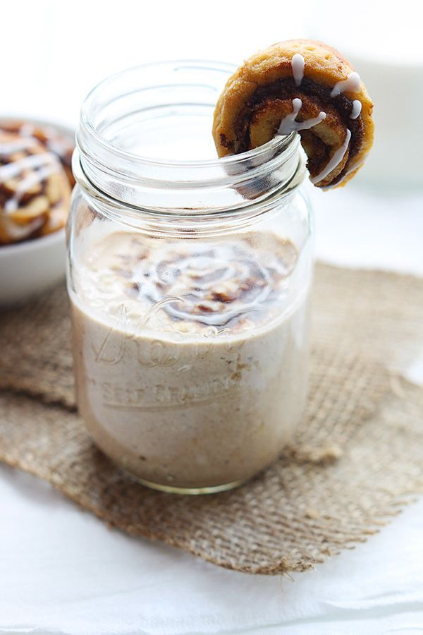 "<strong>Get the<a href=""http://lecremedelacrumb.com/2014/05/cinnamon-roll-overnight-oats.html"" target=""_blank""> Cinnamon"