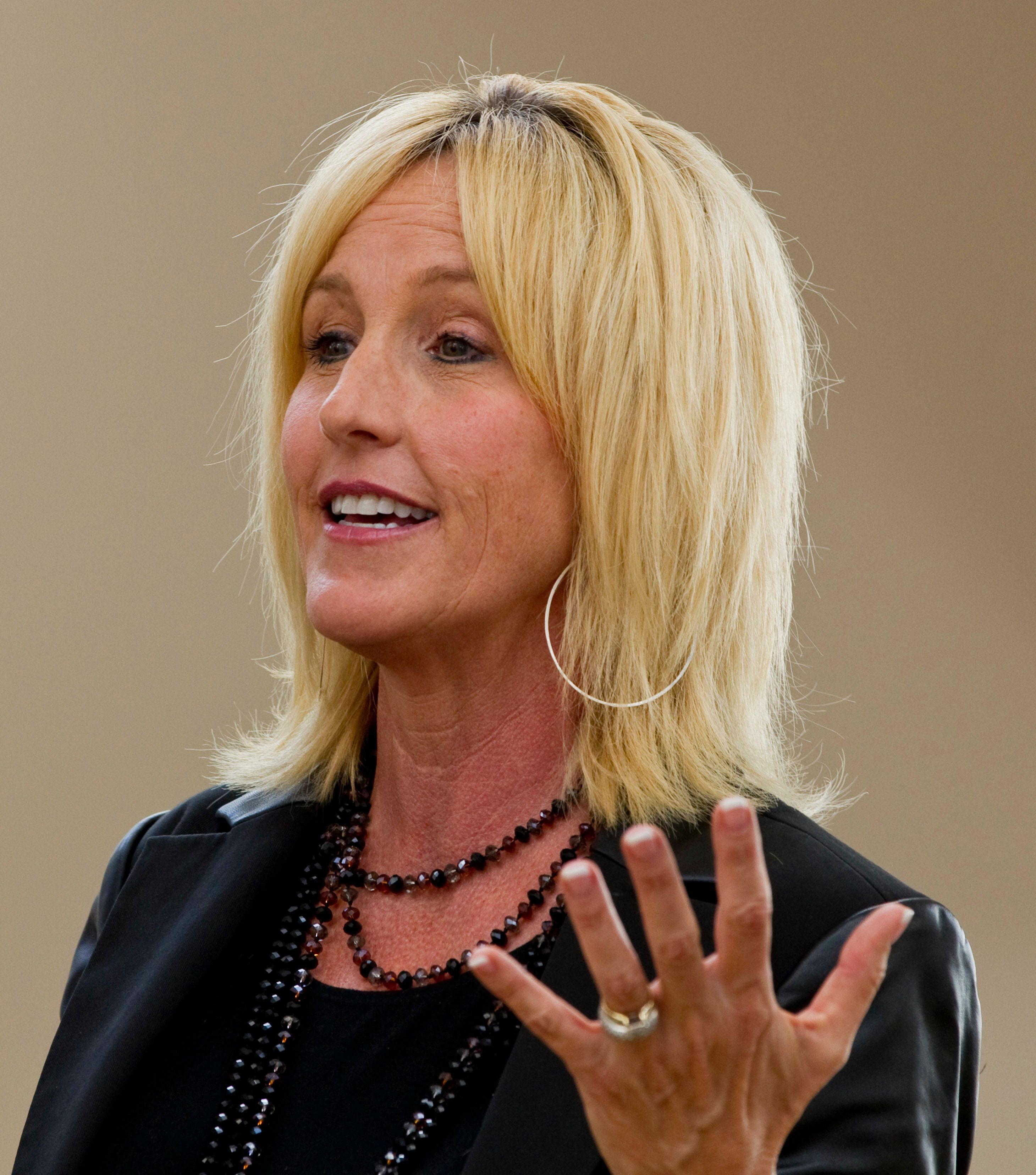 October 1, 2010 Erin Brockovich speaks to Oakville residents concerned about a gas power plant slated to be built beside residential neighbourhood. Brockovich was invited to Oakville by the Citizens for Clean Air Oakville. Toronto Star/Andrew Wallace (Photo by Andrew Francis Wallace/Toronto Star via Getty Images)