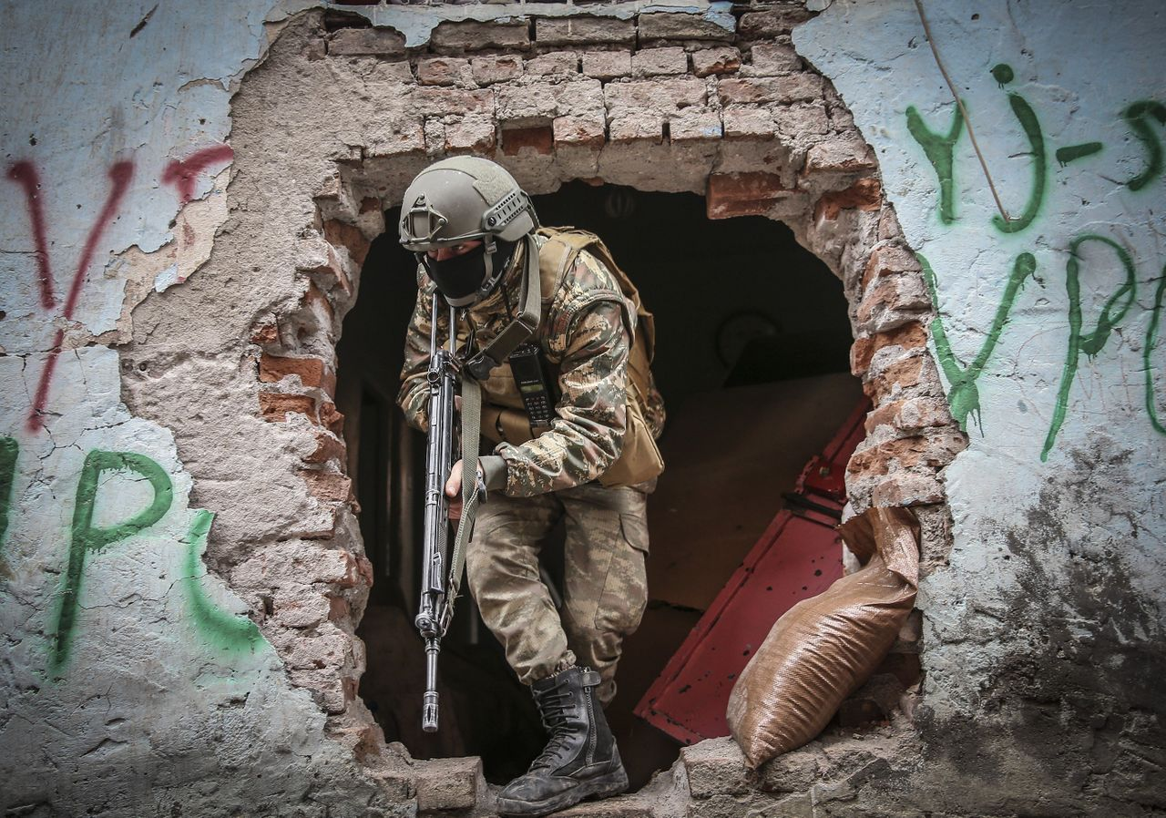 The Sur district in Diyarbakir Province has been under curfew for over six weeks.