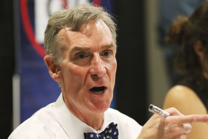 Bill Nye says that NASCAR should switch to electric vehicles.
