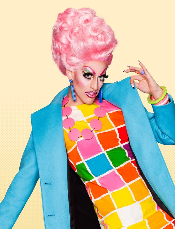 """""""No need to adjust your TV sets -- this acid trip is all real. The self-proclaimed 'bitch' of the competition, Acid Betty mix"""