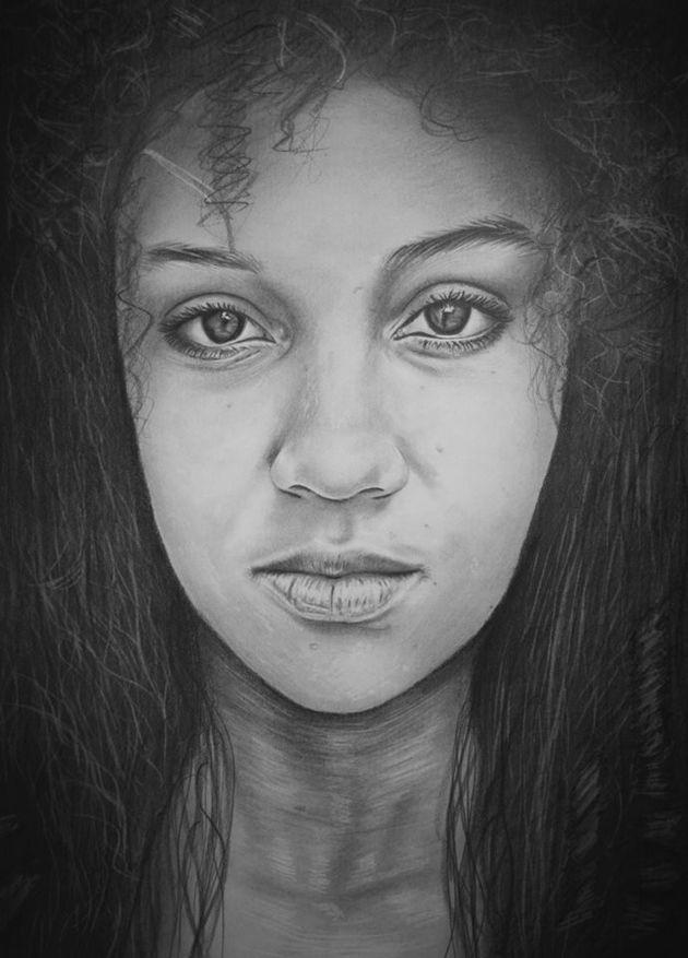 「手がなくても、絵は描ける」ある芸術家が描く、超精細な肖像画(画像集)