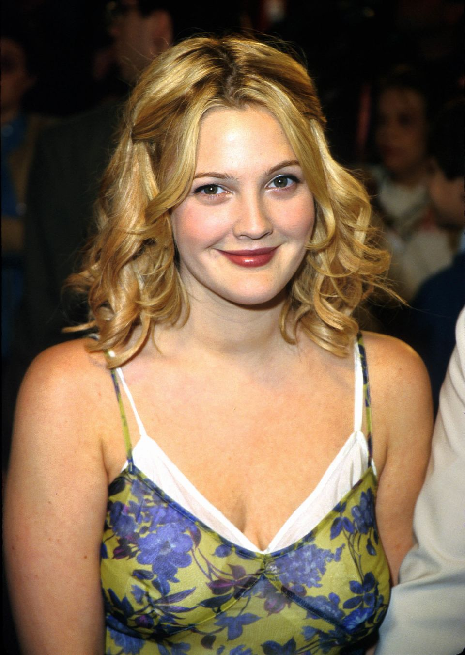 373633 01: 3/1999 Los Angeles, Ca Drew Barrymore 21590.  (Photo By Mike Grey/Getty Images)