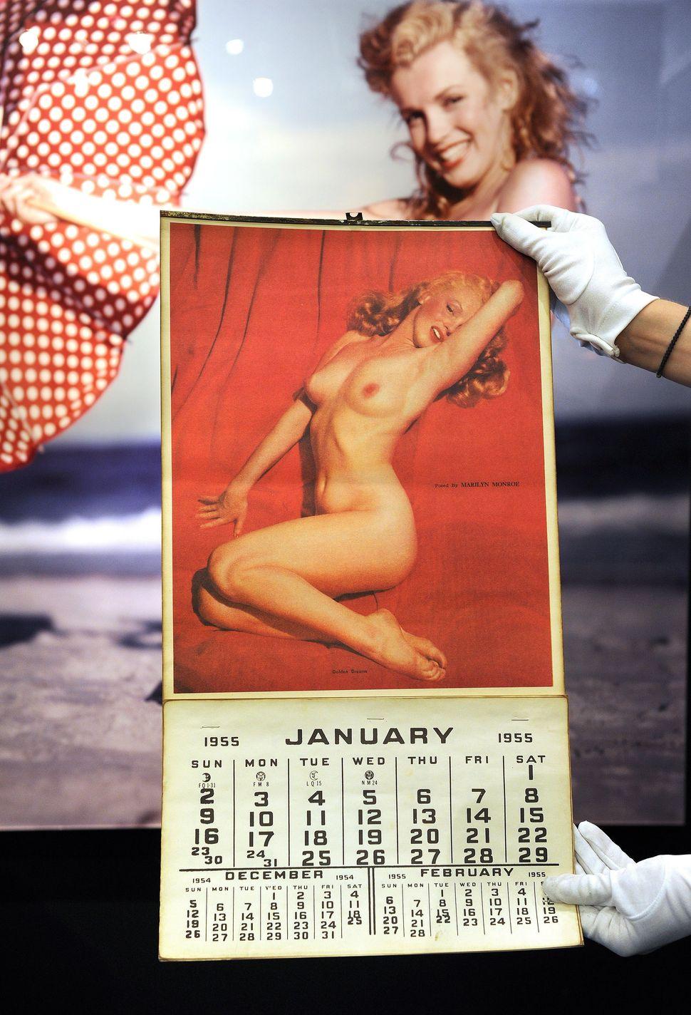 A Marilyn Monroe 1955 calendar.