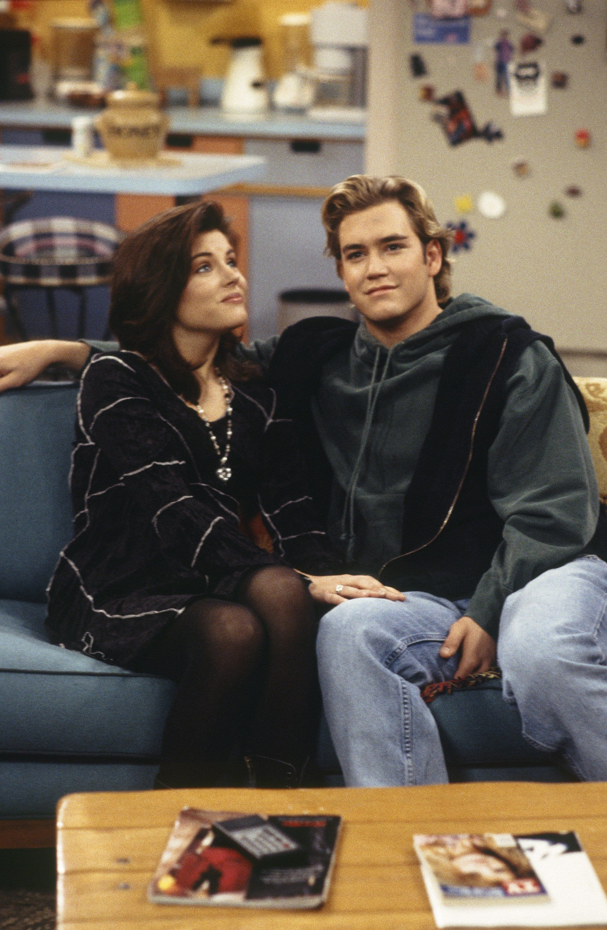 SAVED BY THE BELL: THE COLLEGE YEARS -- 'Wedding Plans' Episode 19 -- Air Date 02/08/1994 -- Pictured: (l-r) Tiffani Thiessen as Kelly Kapowski, Mark-Paul Gosselaar as Zack Morris -- Photo by: Frank Carroll/NBCU Photo Bank