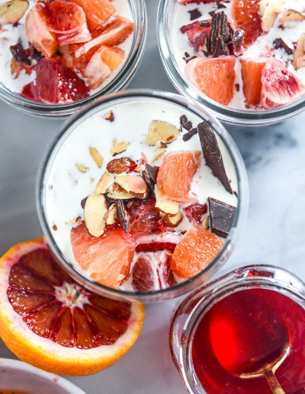 "<strong>Get the <a href=""http://www.howsweeteats.com/2016/01/creamy-winter-vanilla-bean-chia-pudding-with-blood-orange-syrup-"