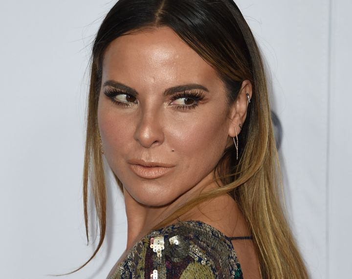 Actress Kate del Castillo's texts with Guzmán were leaked to the press by Mexican officials. Several experts say that