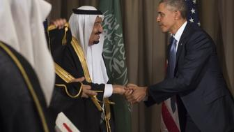 US President Barack Obama (L) shakes hands with Saudi King Salman bin Abdulaziz Al Saud following a meeting on the sidelines of the G20 summit in Antalya, Turkey, November 15, 2015. AFP PHOTO / SAUL LOEB / AFP / SAUL LOEB        (Photo credit should read SAUL LOEB/AFP/Getty Images)