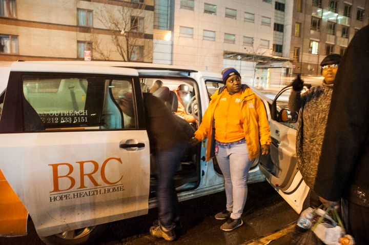 Volunteers could call for a van to transport homeless people in need to shelters or drop-in sites.