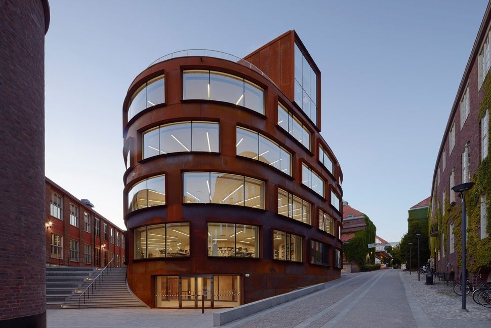 "<strong>Who:</strong>&nbsp;Tham &amp; Videg&aring;rd Arkitekter<br><strong>What:</strong> <a href=""http://www.archdaily.com/7"