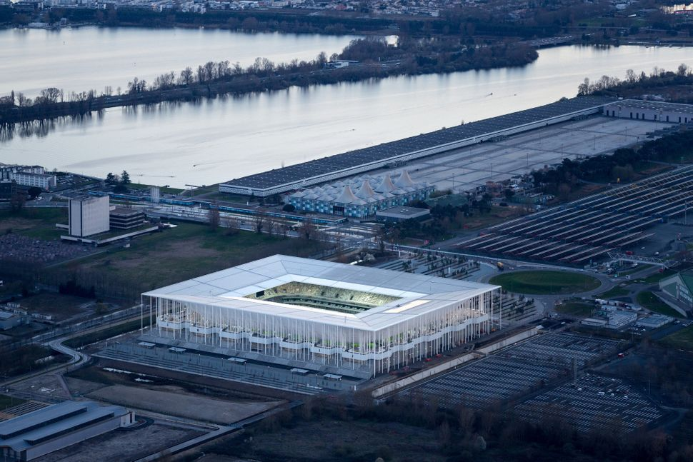 "<strong>Who:</strong>&nbsp;Herzog &amp; de Meuron<br><strong>What:</strong> <a href=""http://www.archdaily.com/633554/the-new-"